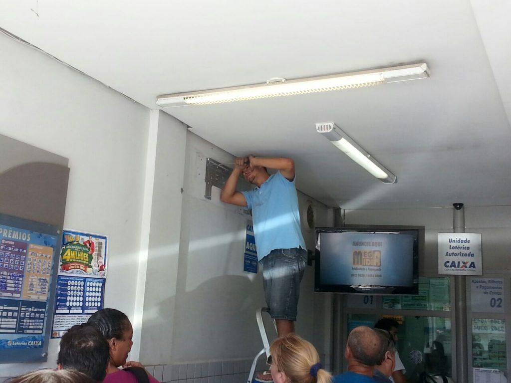 Instalação ar condicionando em empresa