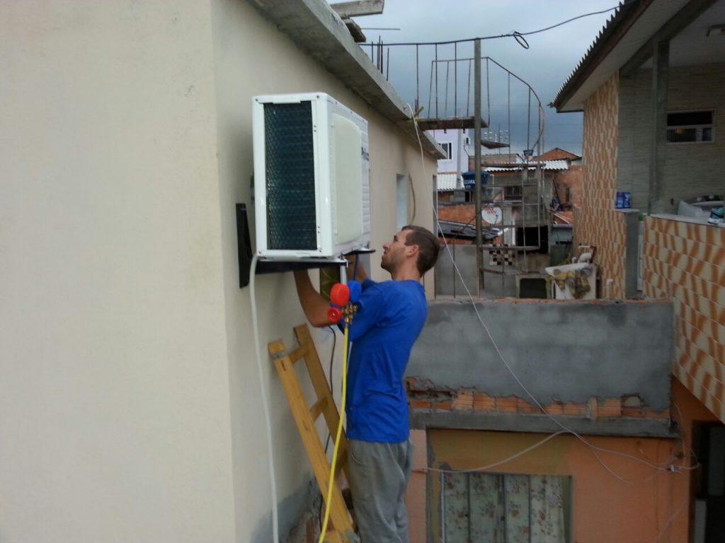 Instalação ar condicionando residencial